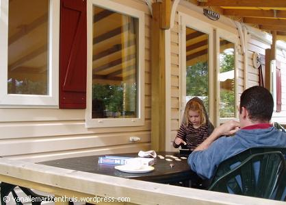 Rummicub op de veranda