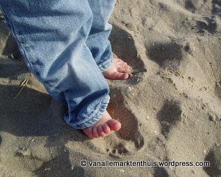 Voetjes op het strand